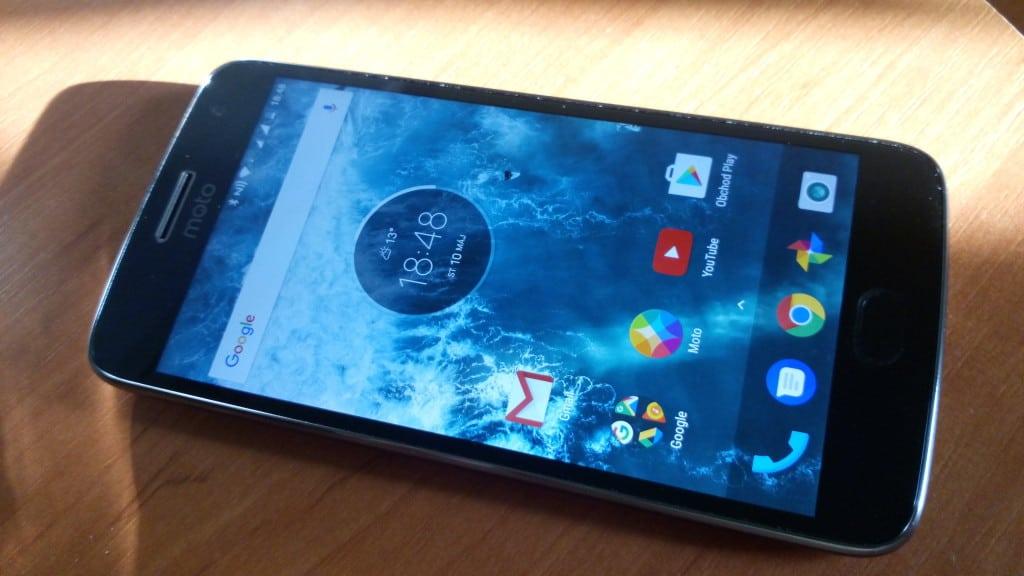Moto G5 Plus celkový pohľad