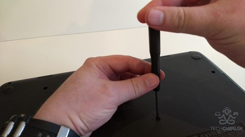 Výmena HDD za SSD rozoberanie HP 250 G3