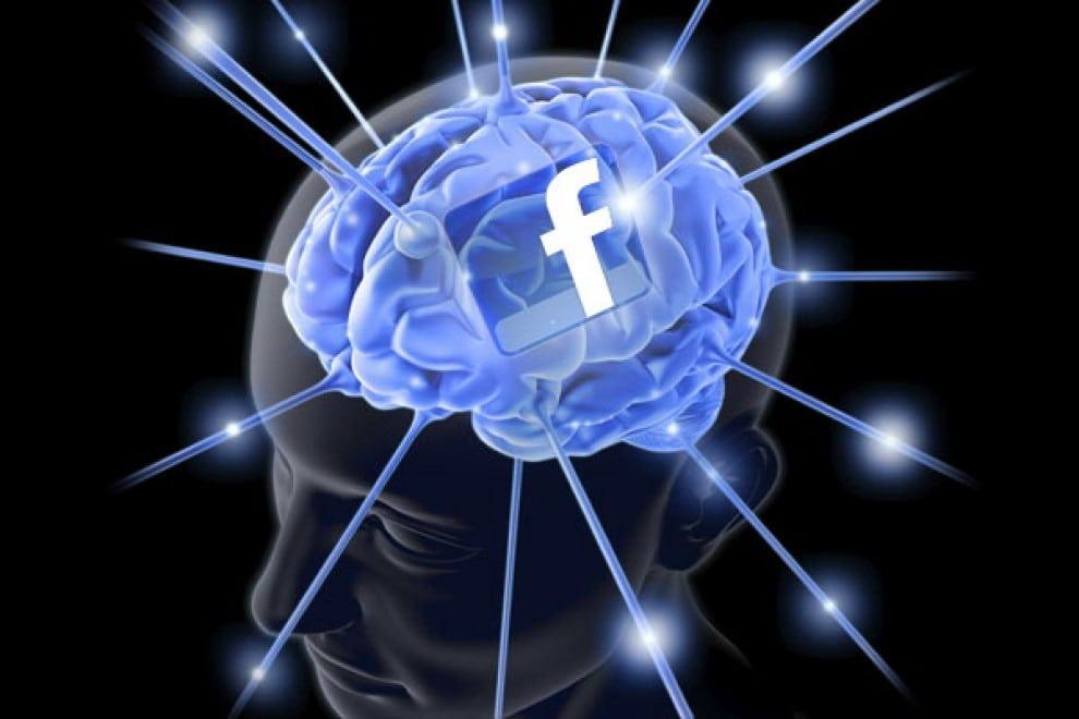 Brain Facebook zneužíva zraniteľnosť mozgu