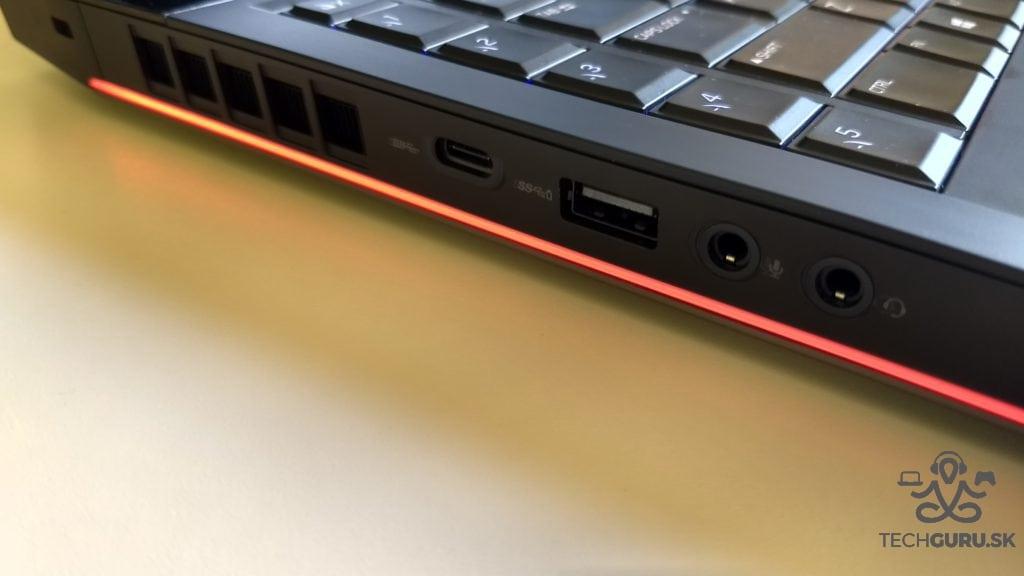 Alienware 17 R4 ports