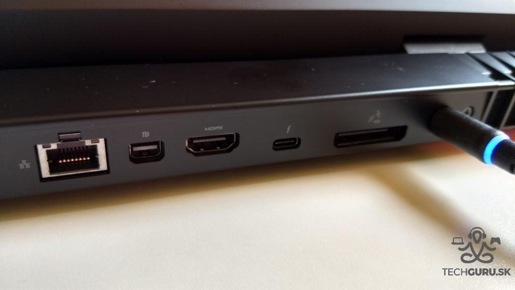 Alienware 17 R4 ports 01