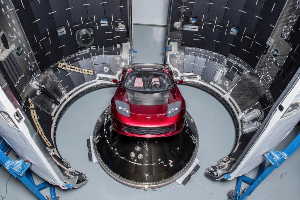 Tesla Roadster poletí na Mars