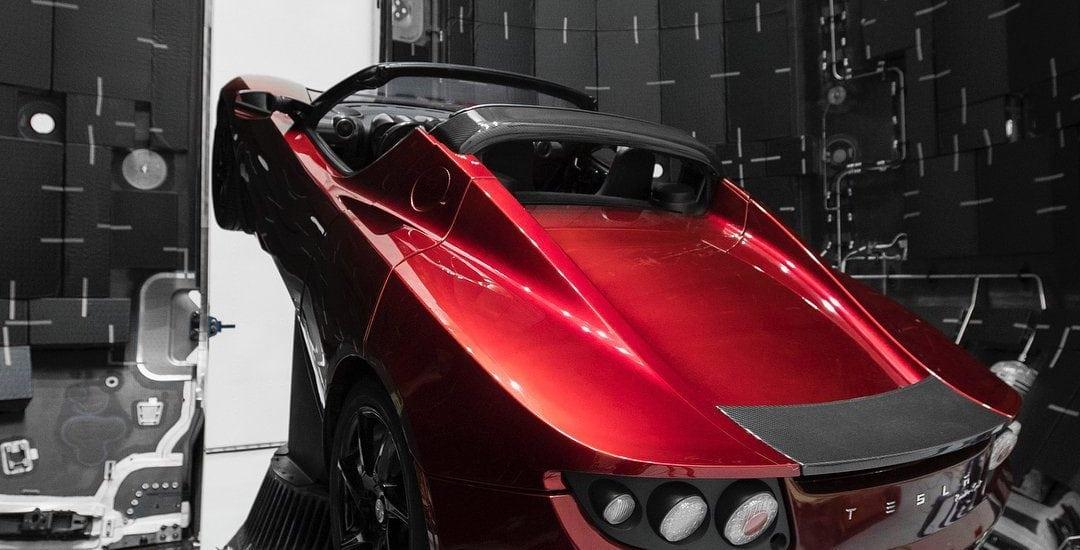 Tesla Roadster poletí na Mars 02