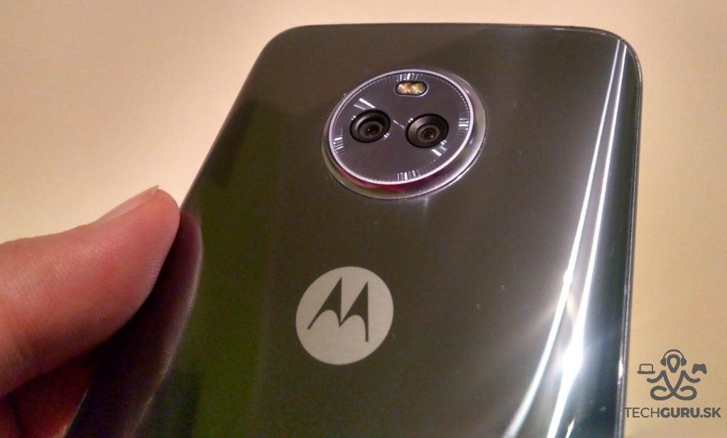 Lenovo Moto X4 zadný foťák