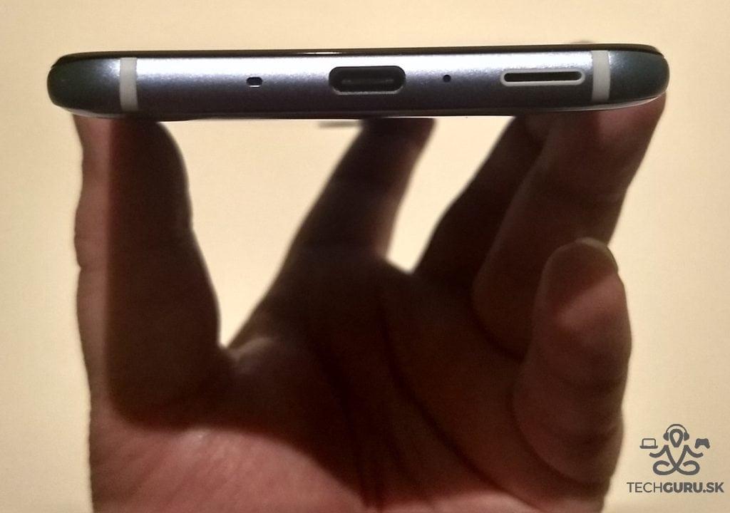 HTC U11 spodná časť
