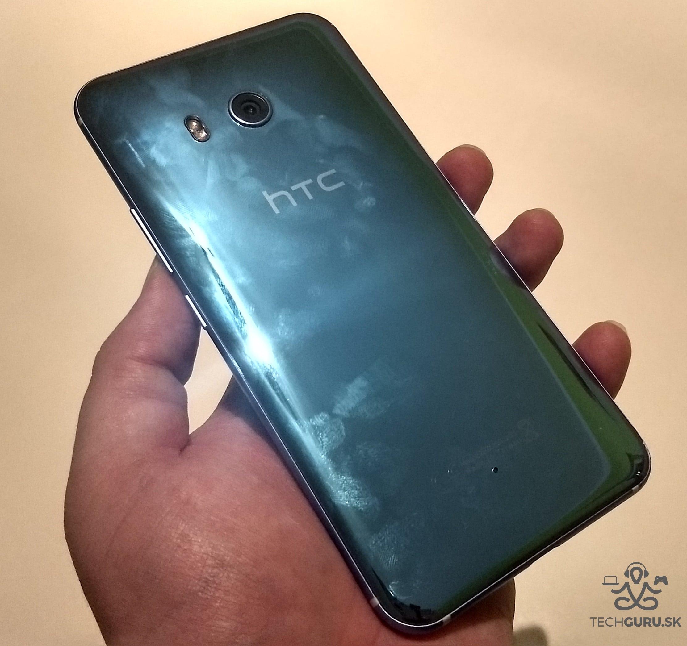HTC U11 zadná časť 01