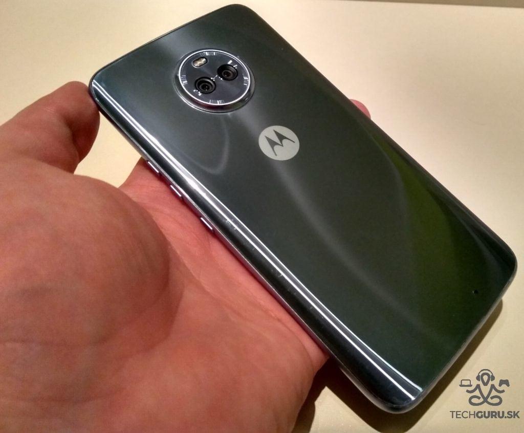 Lenovo Moto X4 zadná časť