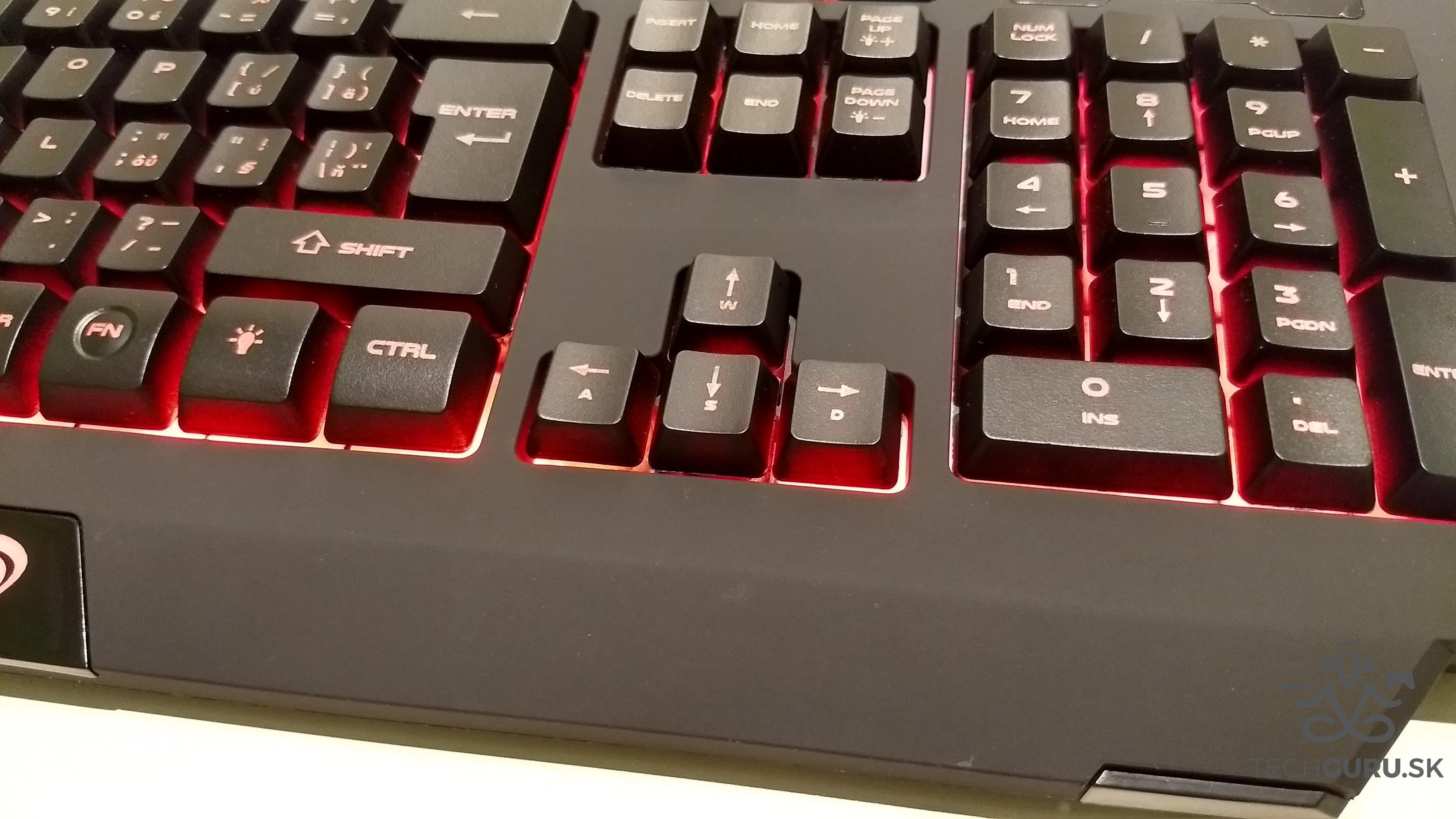Genesis Cobalt 300 klávesnica 01