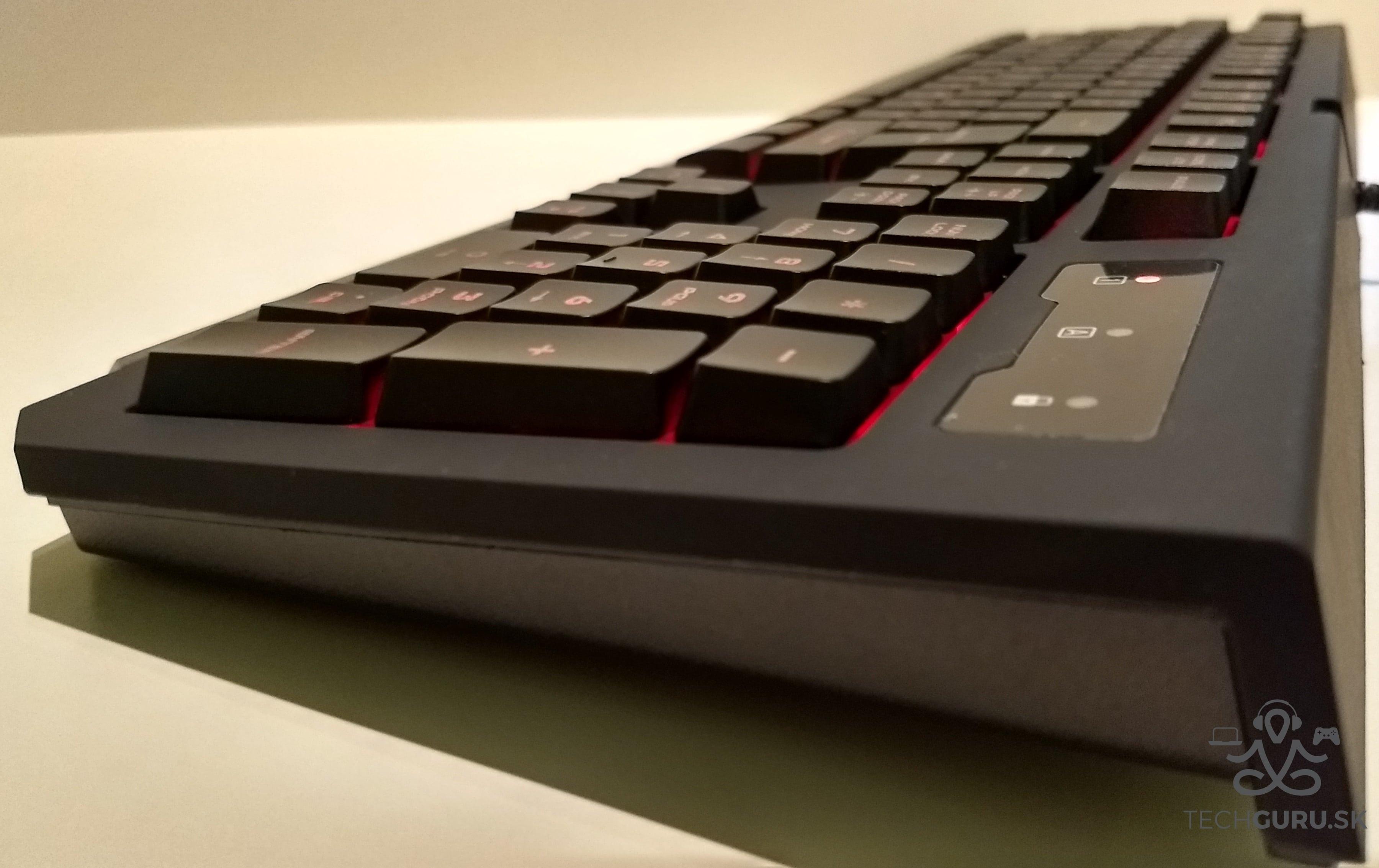 Genesis Cobalt 300 klávesnica 04