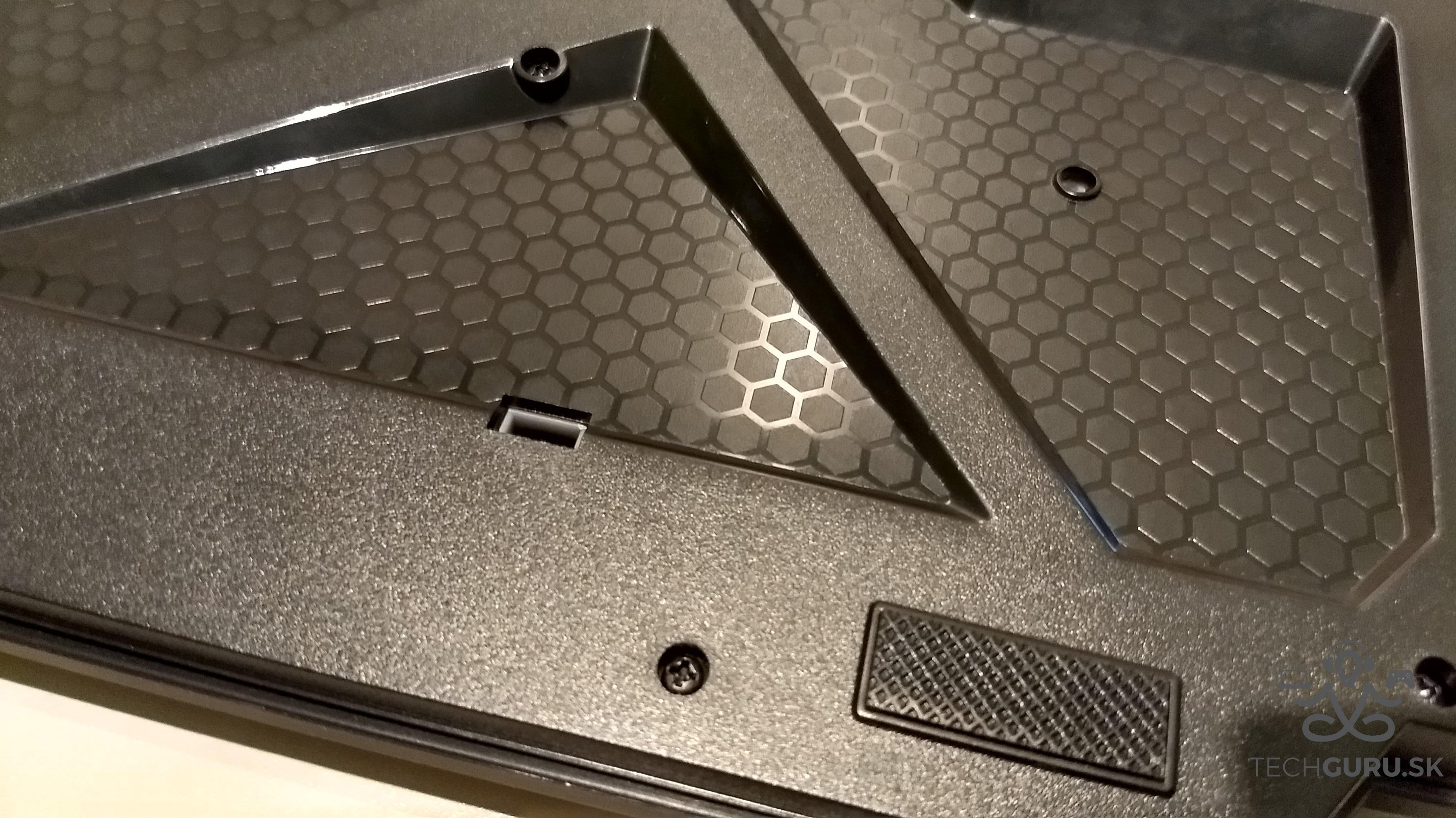 Genesis Cobalt 300 klávesnica 05