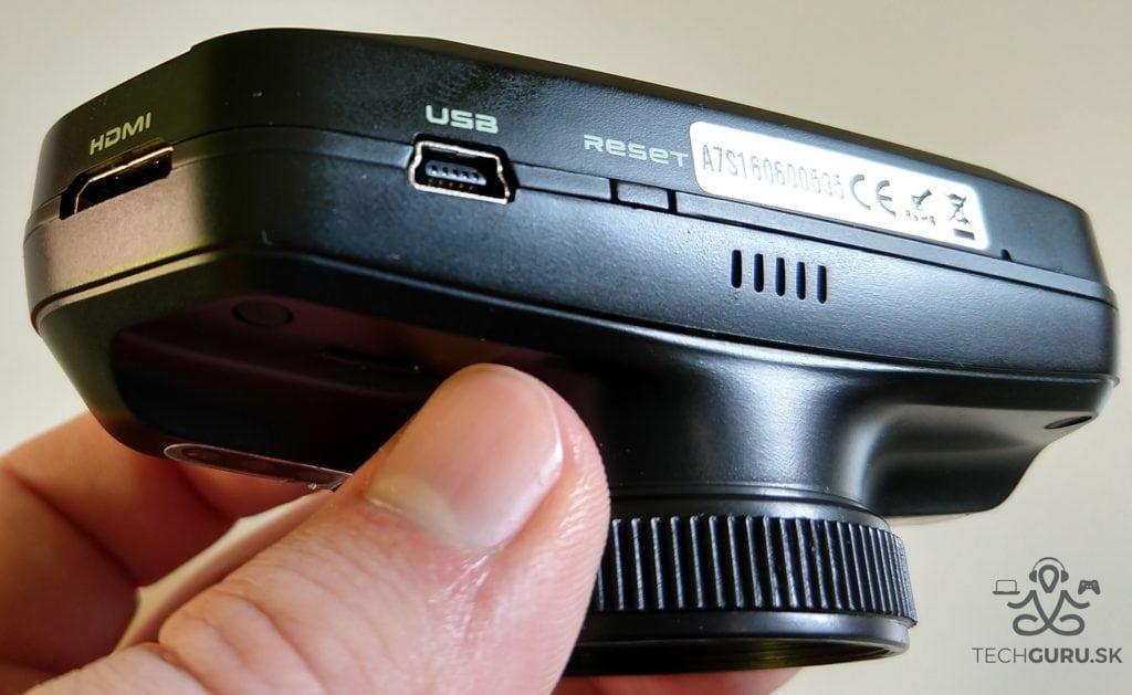 TrueCam A7s HDMI port