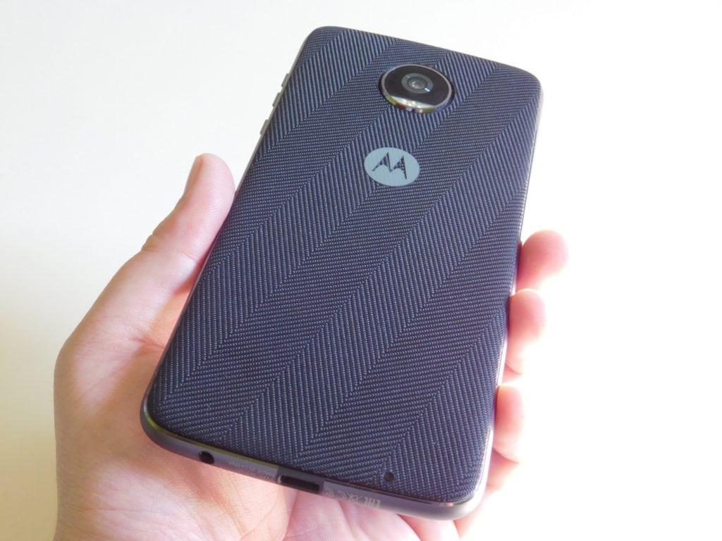 Motorola Moto Z2 Play a motomods - s krytom 2
