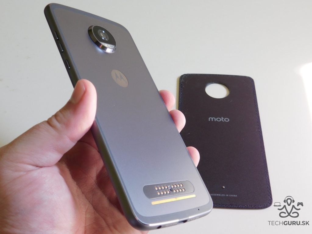 Motorola Moto Z2 Play a motomods - bez krytu