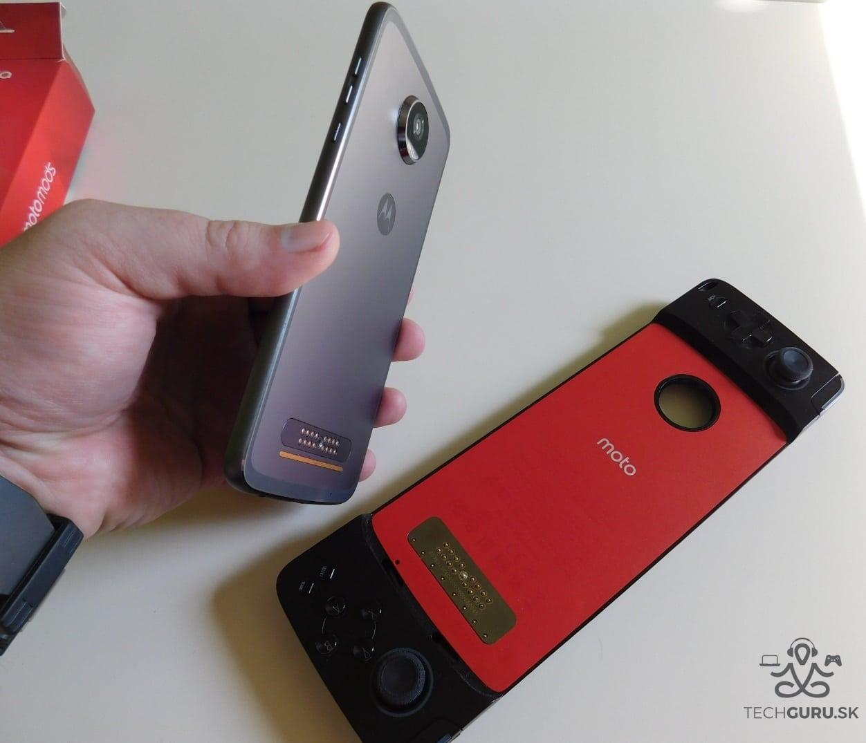 Motorola Moto Z2 Play a motomods - Gamepad 04