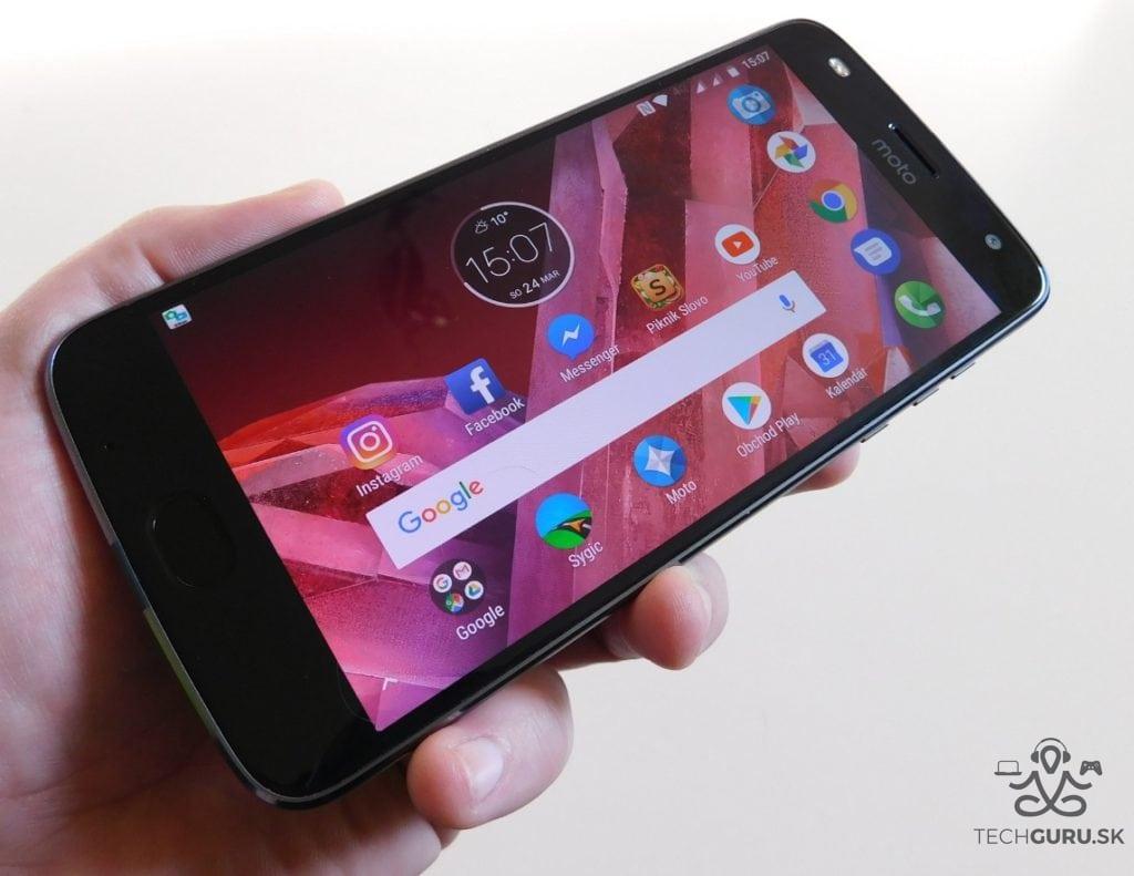 Motorola Moto Z2 Play a motomods - na ležato