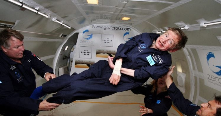 Dnes zomrel Stephen Hawking - beztiažový stav