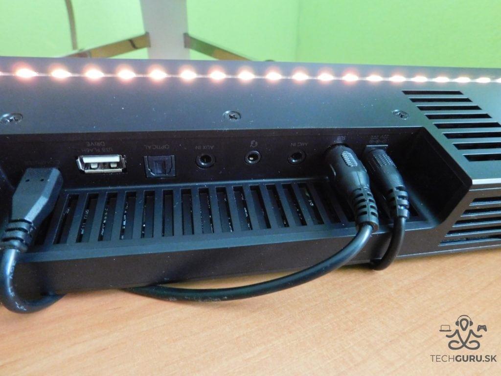 Creative Sound BlasterX Katana LEDky a porty