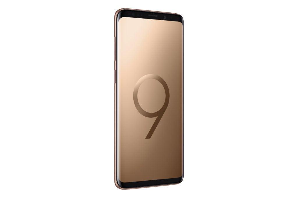Samsung Galaxy S9+ Sunrise Gold 02