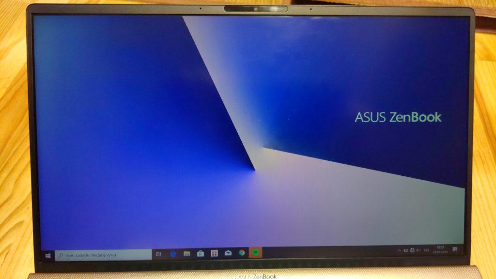 Asus ZenBook 14 displej