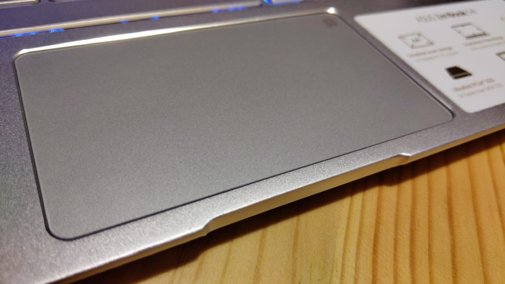 Asus ZenBook 14 recenzia numpad