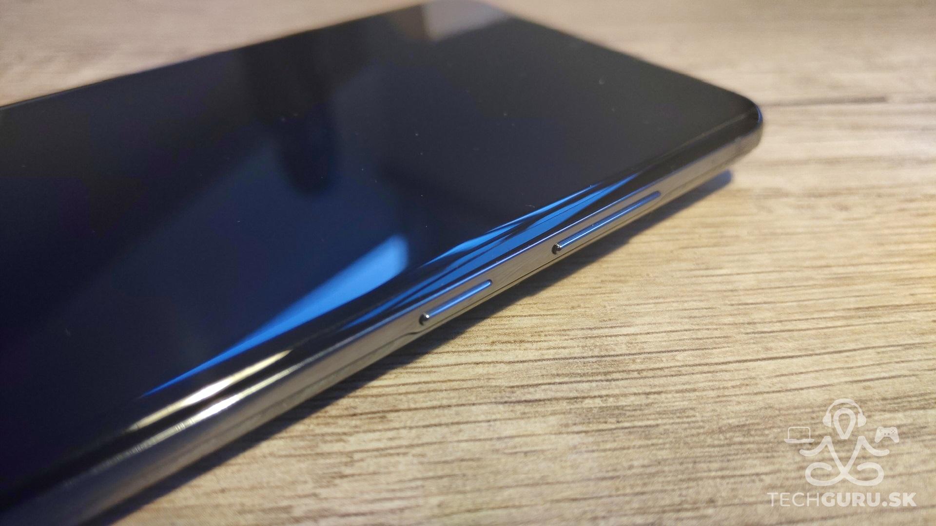 Samsung Galaxy S20 Ultra 5G recenzia tlačidlá