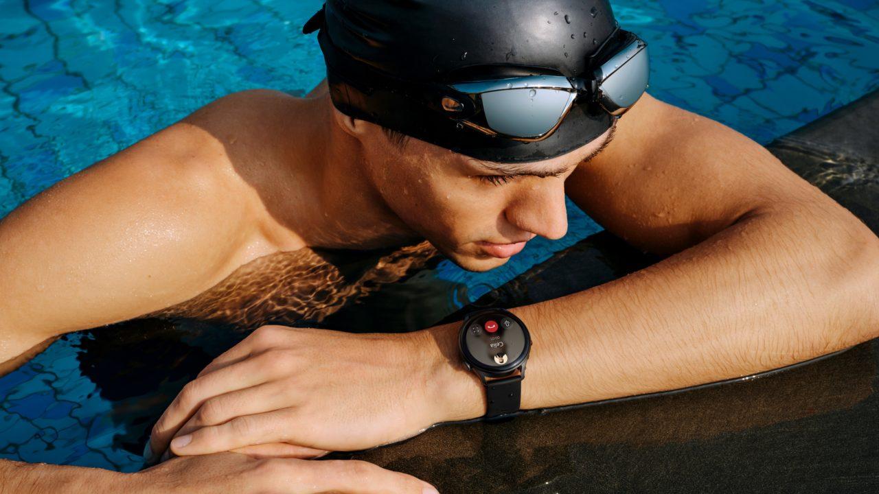 Huawei Watch 3 na plavcovi
