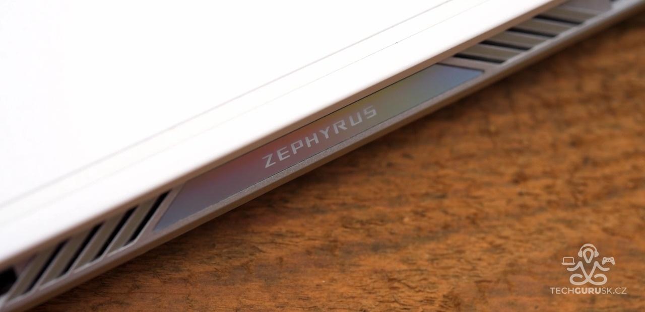 ROG Zephyrus G14 logo vzadu